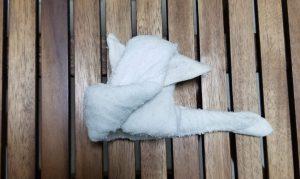 おしぼりアート 5、体を作りつつ固定する